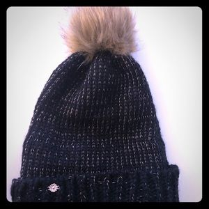 Women's winter hat black and gold